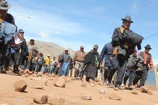 PERÚ: elecciones y huelga antiminera.
