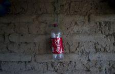 El uso de un acuífero para hacer Coca-Cola amenaza el agua de 30.000 personas en El Salvador
