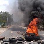 En Cuicatlán , Oaxaca profesores y pobladores instalan barricadas para impedir el paso de las fuerzas federales