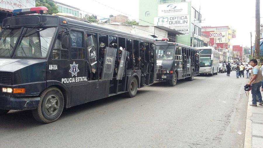 Ambiente tenso en Chilpancingo, antimotines repliegan manifestación