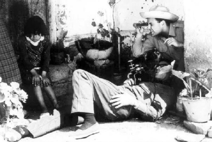 """Raymundo Gleyzer filmando """"Ceramiqueros de Traslasierra"""""""