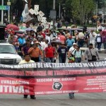 Sección XXII se atrinchera en estos momentos en el zócalo de la ciudad de Oaxaca, en espera de la siguiente movilización para este día.