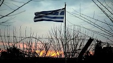Grecia Se Vende (Pachamama, la lucha por la tierra. Documental)