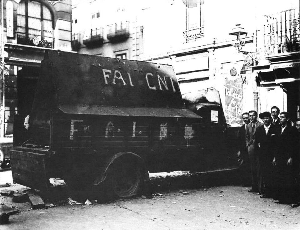Vehículo blindado por los metlúrgicos de la CNT-FAI