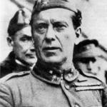 General López Ochoa. Este, al revés que Yagüe, casi pierde los galones. Tardó 8 días en avanzar 40 quilometros y llegar a Uviéu con su columna