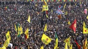 Kurdistan-Diyarbakir-PKK-Newroz-e1365422867165