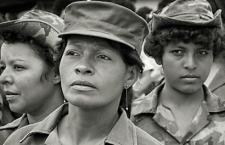 """Chigüinas, presas, violadas y """"con las botas puestas"""". Mujeres nicas que hicieron la revolución"""
