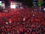 Erdogán responde a la intentona de los militares con un golpe de Estado civil