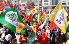 """""""El elemento crucial de la lucha kurda es la liberación de la mujer"""" (Entrevista con Dilar Dirik)"""